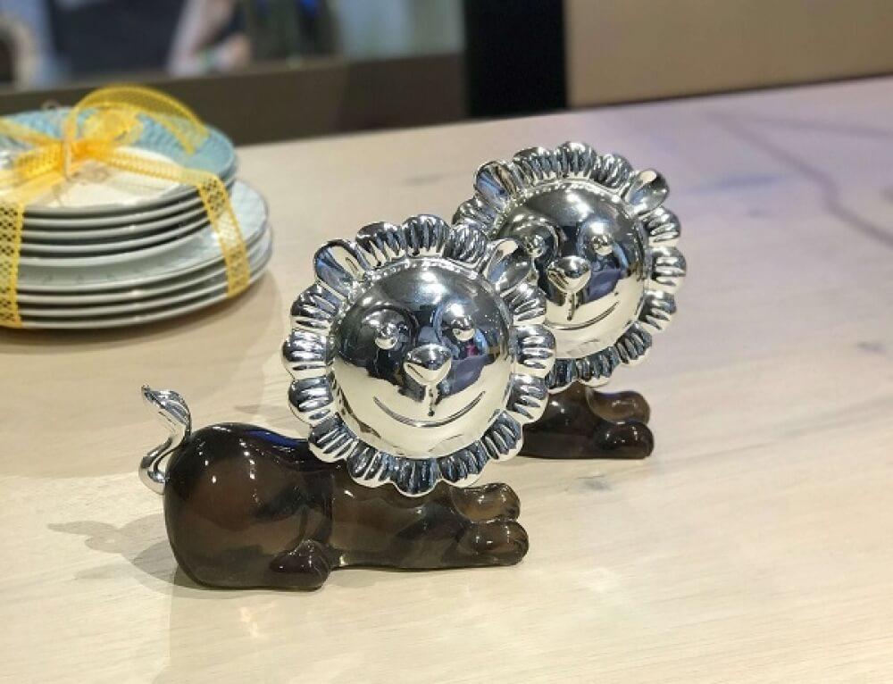 פסלוני אריות