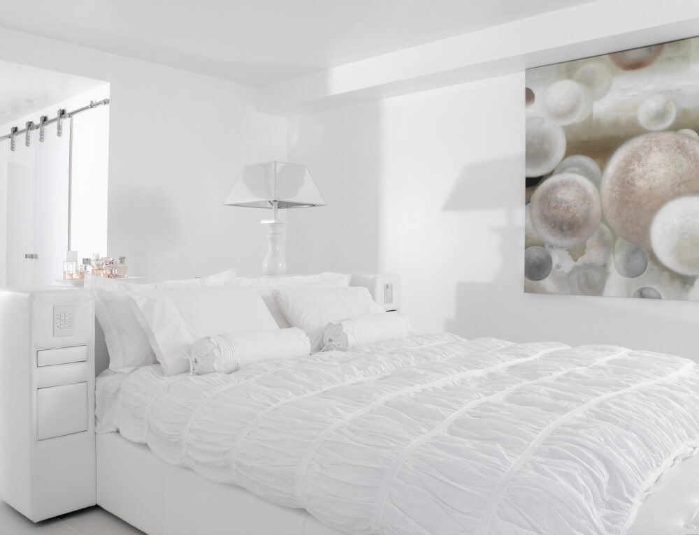 חדר שינה בצבע לבן