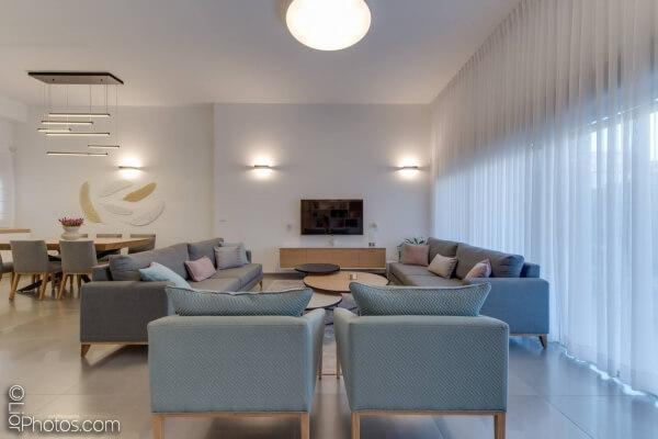 רהיטים מעוצבים במרכז